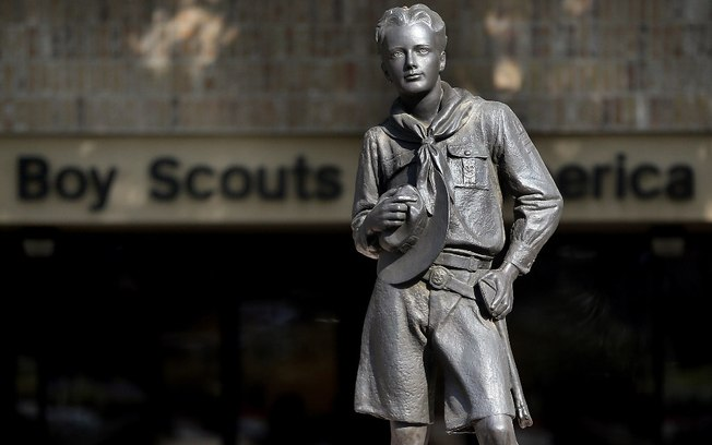 boyscouts-of-america-statue